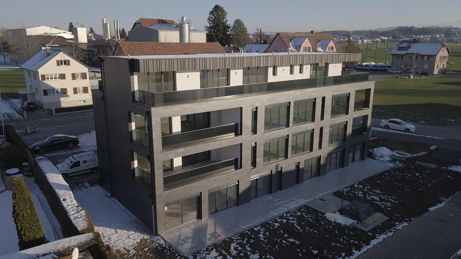 Mehrfamilienhaus Mit 3 Stockwerken Gesamt 7 Wohnungen Zur Miete